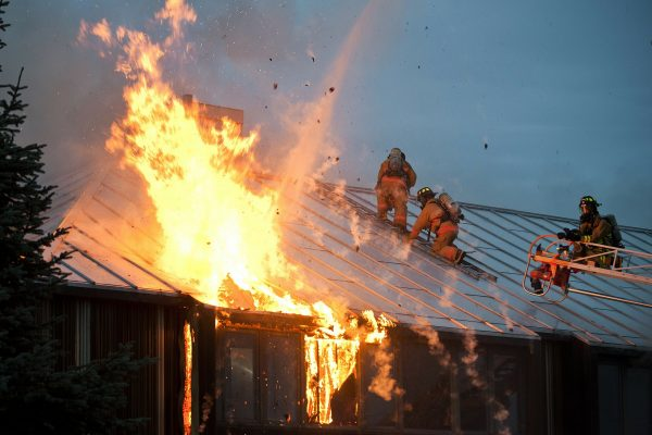 » Propagación de incendios en fachadas de edificios