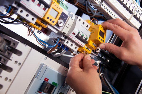 » Revisió guies tècniques del Reglament Electrotècnic de Baixa Tensió
