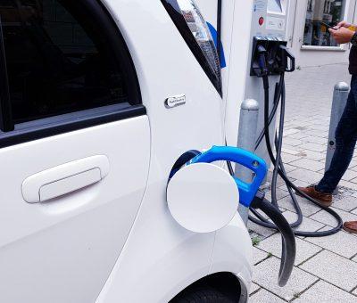 » Análisis de los modelos de negocio en la operativa de carga de los vehículos eléctricos.
